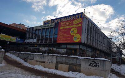 Dveřní vzduchová clona dodávka+montáž – Supermarket Kubík Hradec Králové