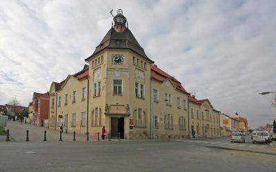 Česká pošta Čáslav – klimatizace přepážek a klientské části. Klimatizace pracoviště doručovatelů.