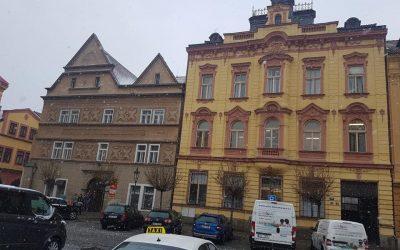 Česká pošta Chrudim 1 – klimatizace přepážek a klientských prostorů. Klimatizace HAIER multisplit a split