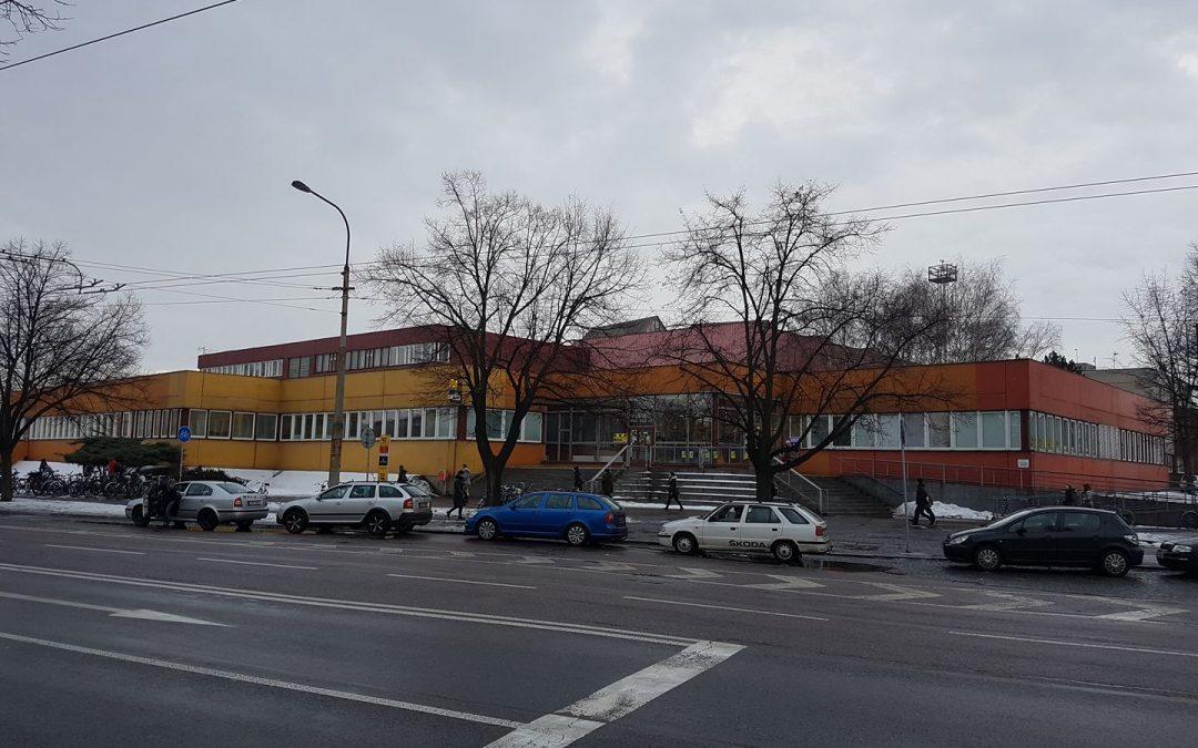 Česká pošta Pardubice 1 – klimatizace HAIER MRV. Chlazení provozních prostor a kanceláří pobočky.